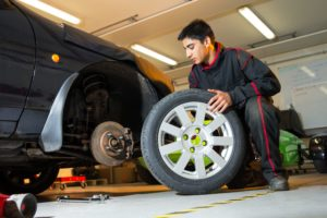 Tips And Suggestions For Car Oil Change By Naperville Mechanics For Smooth Engine